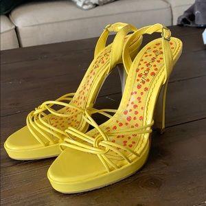 Yellow heels size 6.5